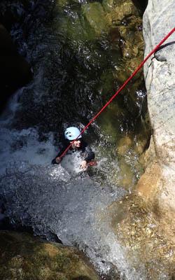 Descente en rappel en canyon à Termes