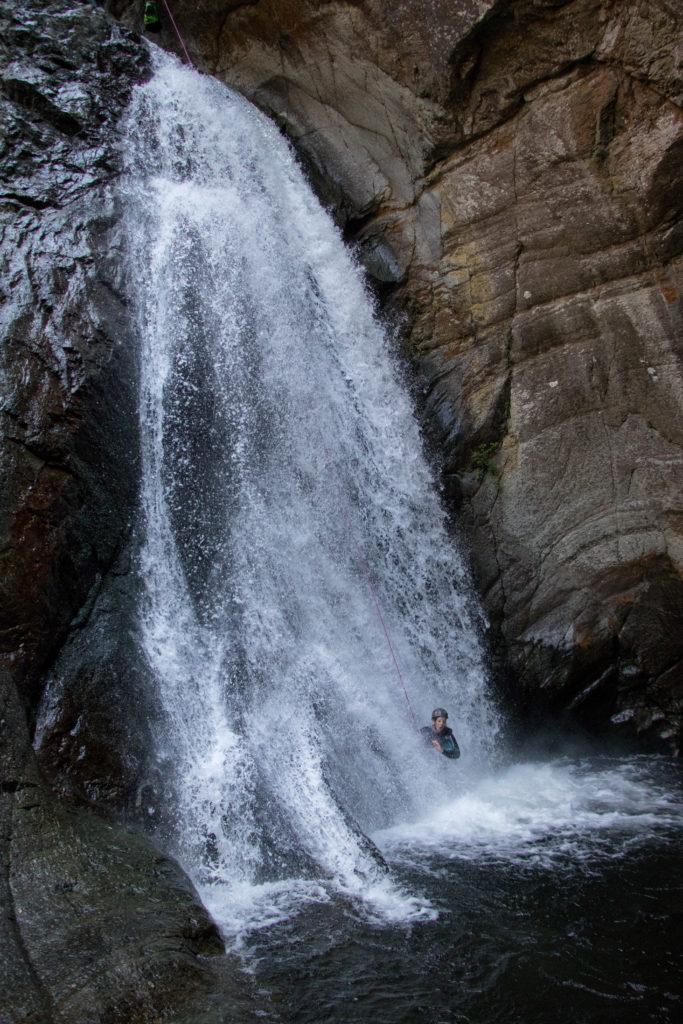 grande descente en rappel au Llech, un canyon sportif